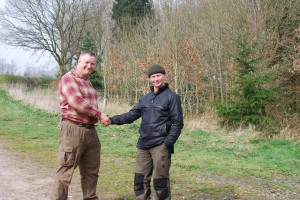 Richard Mason (R) congratulates Mick Davidson (L) on successfully attaining his Level 4 Instructors and Mentors Award.